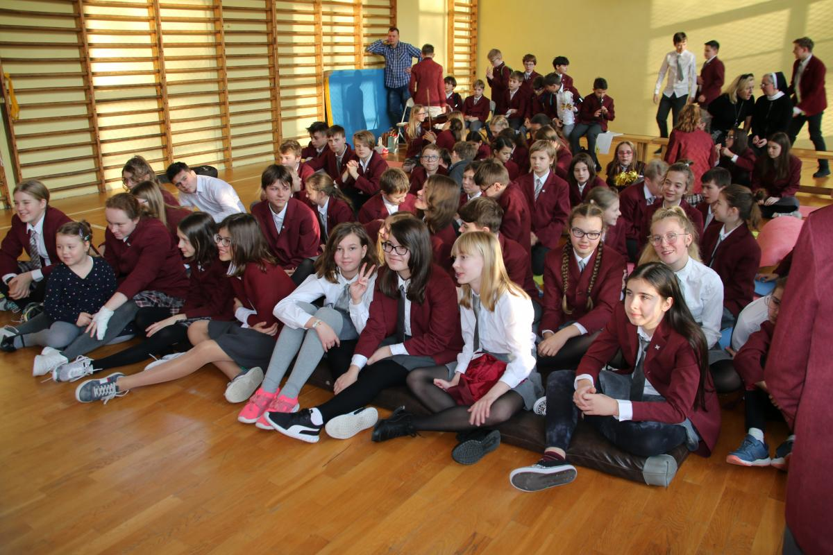 Jasełka w wykonaniu uczniów i nauczycieli - zdjęcie 21