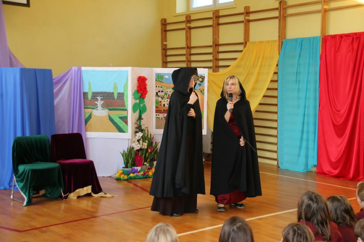Jasełka w wykonaniu uczniów i nauczycieli - zdjęcie 22