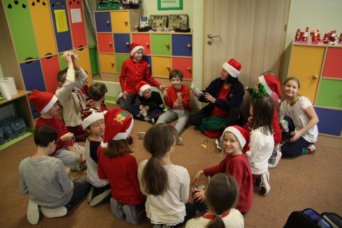Mikołajki w naszej Szkole - zdjęcie 14